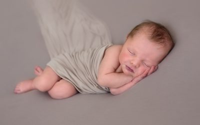 How Photograph Your Newborn at Home